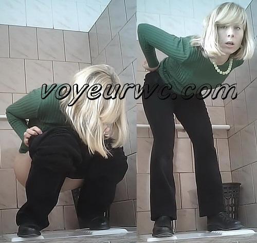 Piss WC 187 (Hidden Camera in College Ladies' Toilet)
