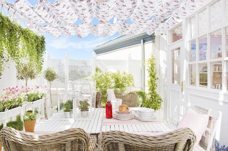 BOISERIE & C.: Arredamento Ikea: inguaribile romanticismo