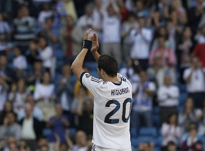Higuain says goodbye to the Bernabeu
