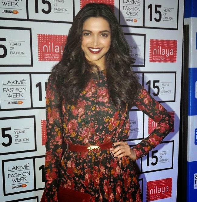 Deepika padukone latest  hot stills in sabyasachi show lakme fashion week 2015