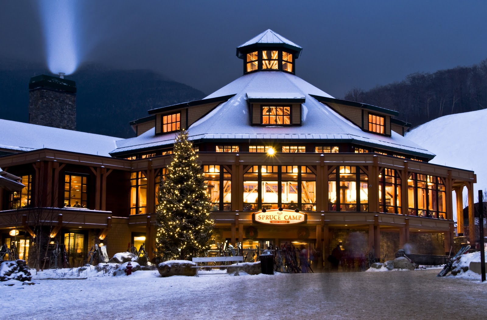 Redefining the face of beauty top 10 ski resorts in new for Ski cottage