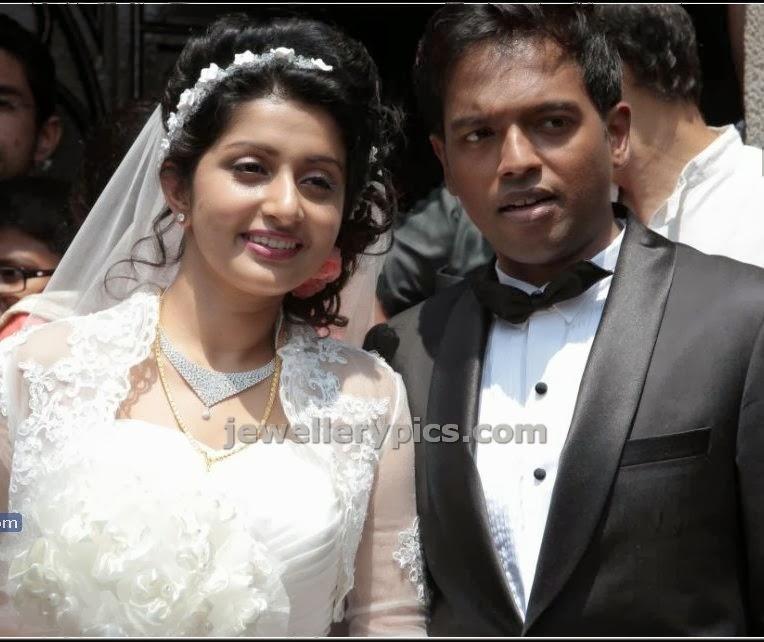 actress meera jasmine wedding diamond necklace