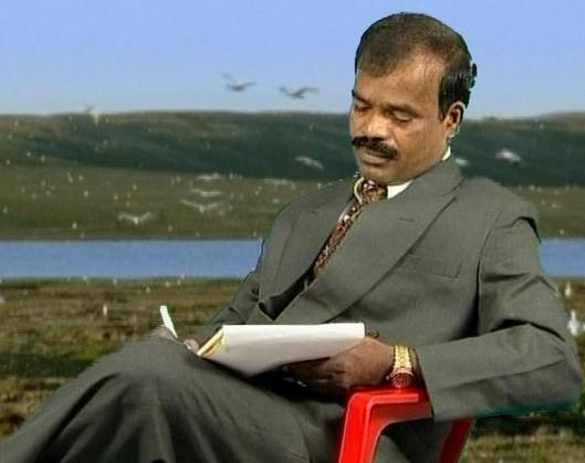 Dr Poovaiyar