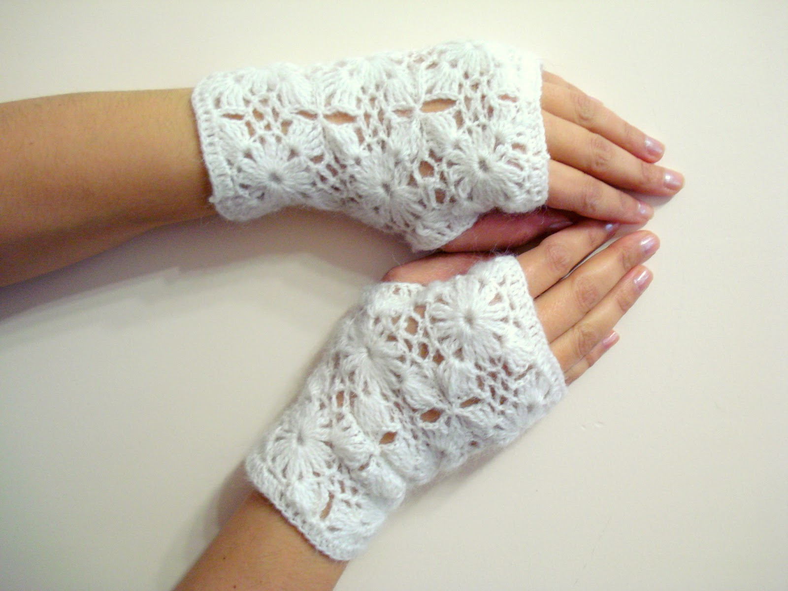 AllSoCute Amigurumis: Lace Crochet Fingerless Gloves - Crochet mittens ...