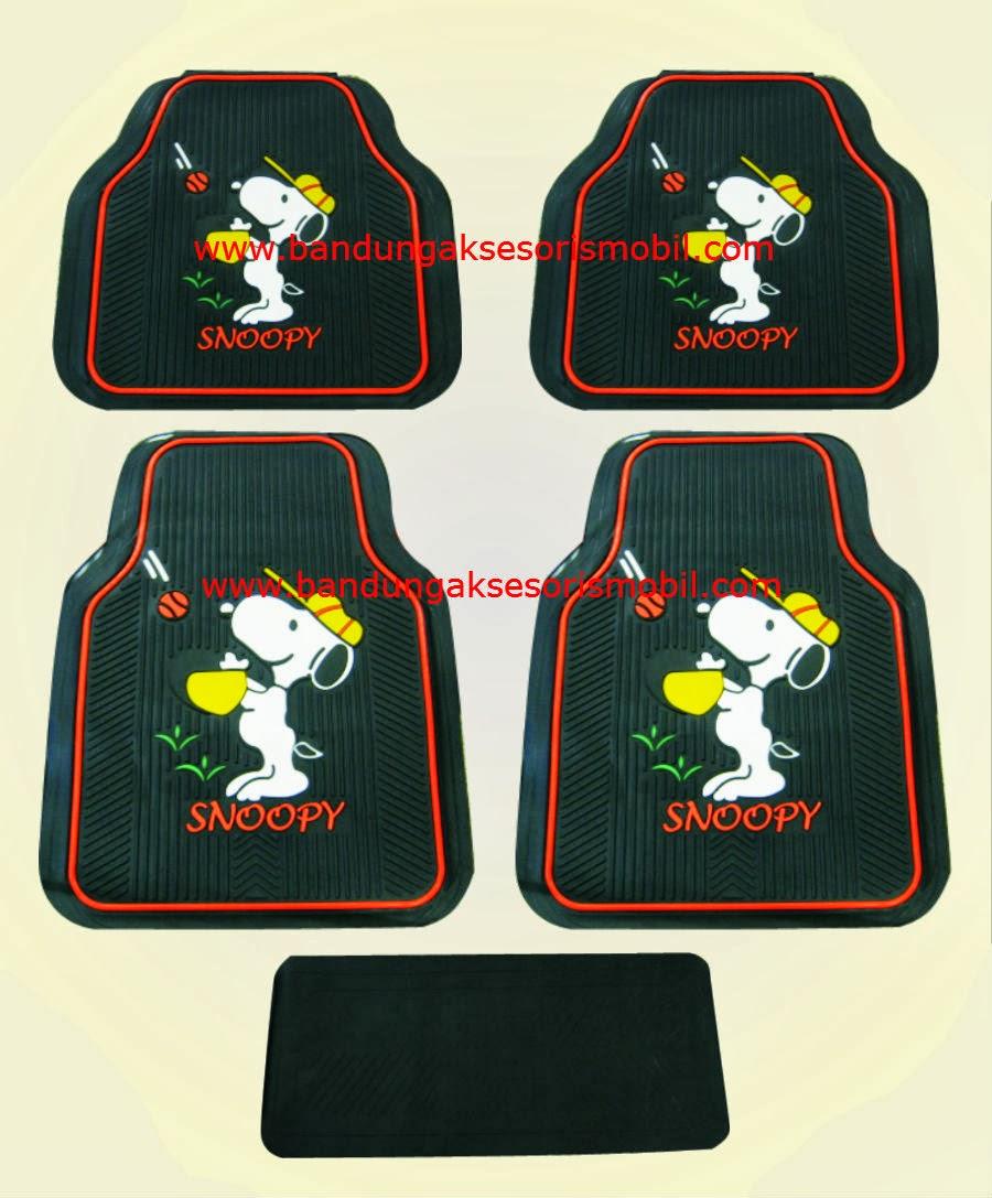 Karpet Snoopy Black