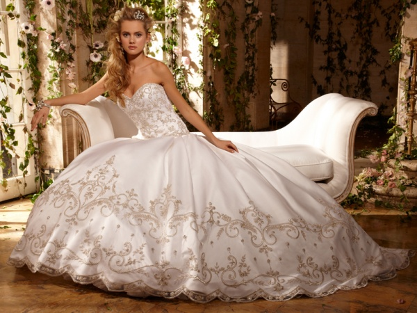 Весільні сукні 2011