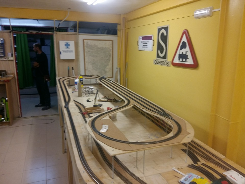 Álbum fotográfico. Maqueta HO desmontable en construcción.José Ferrer.