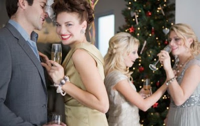 How To Throw A Singles Holiday Party  - celebrateing