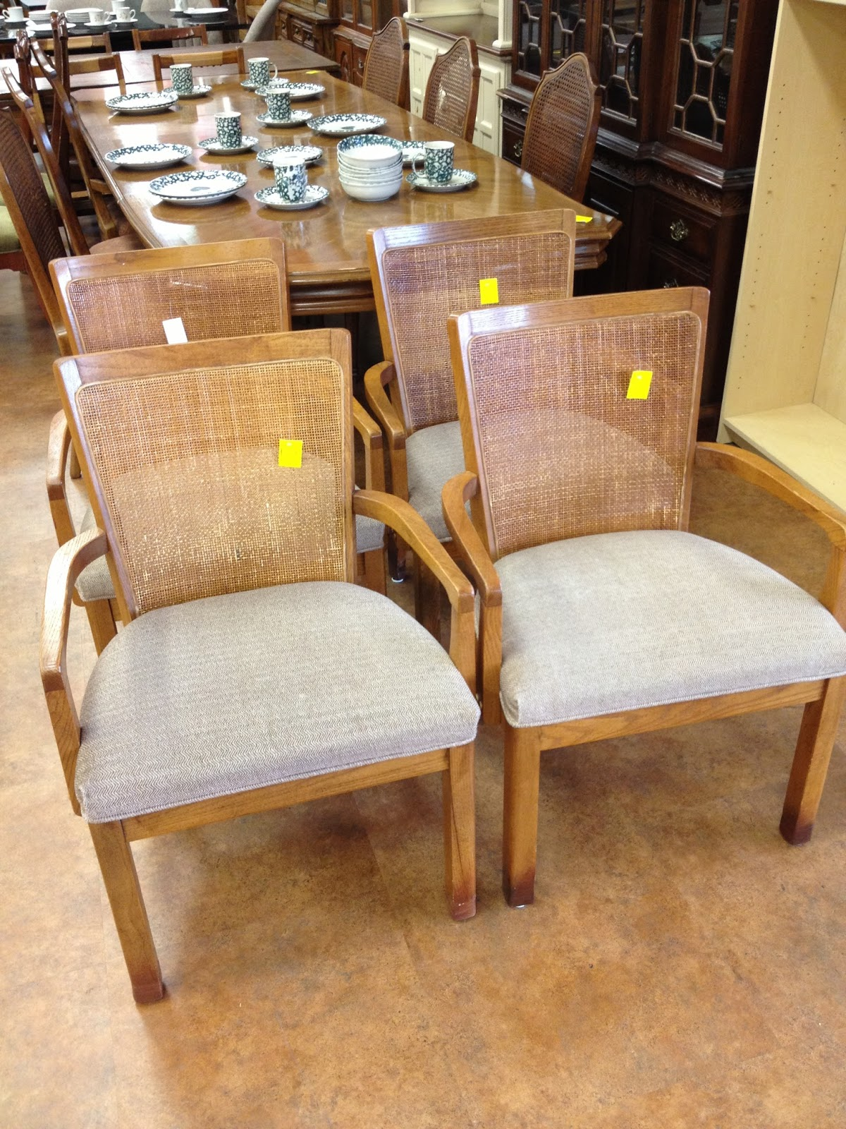 The Happy Homebodies: Makeover: Thrift Store Kitchen Chairs