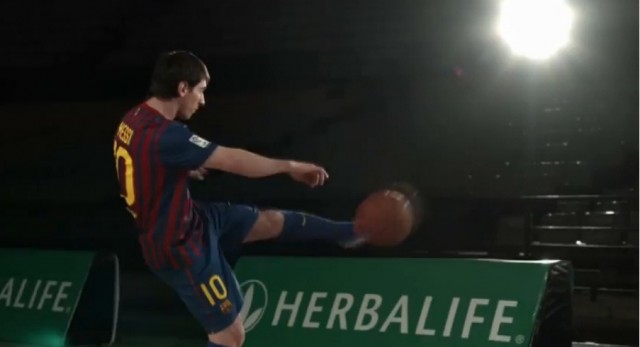 Video Lionel Messi Bermain Basket Herbalife
