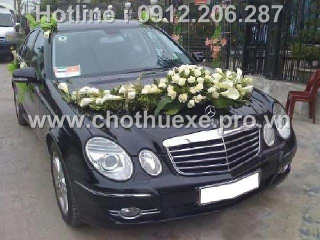 Mẫu hoa xe cưới Hông và Ly trắng giá 1,1 triệu tại Đức Vinh