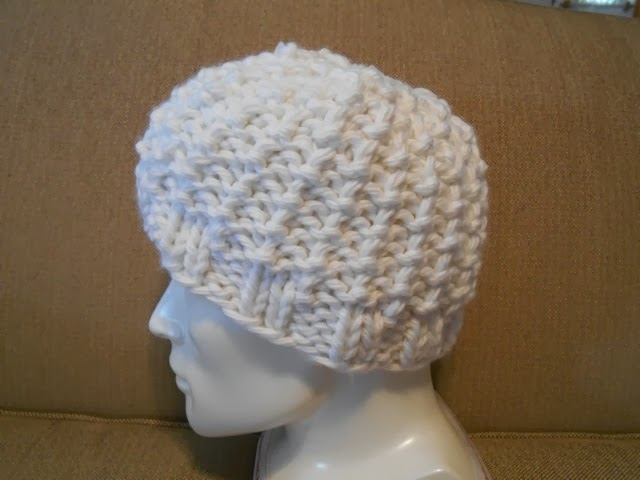 Knit Hat Pattern Bulky Weight Yarn : Knitting with Schnapps: Introducing Frosted Hope!