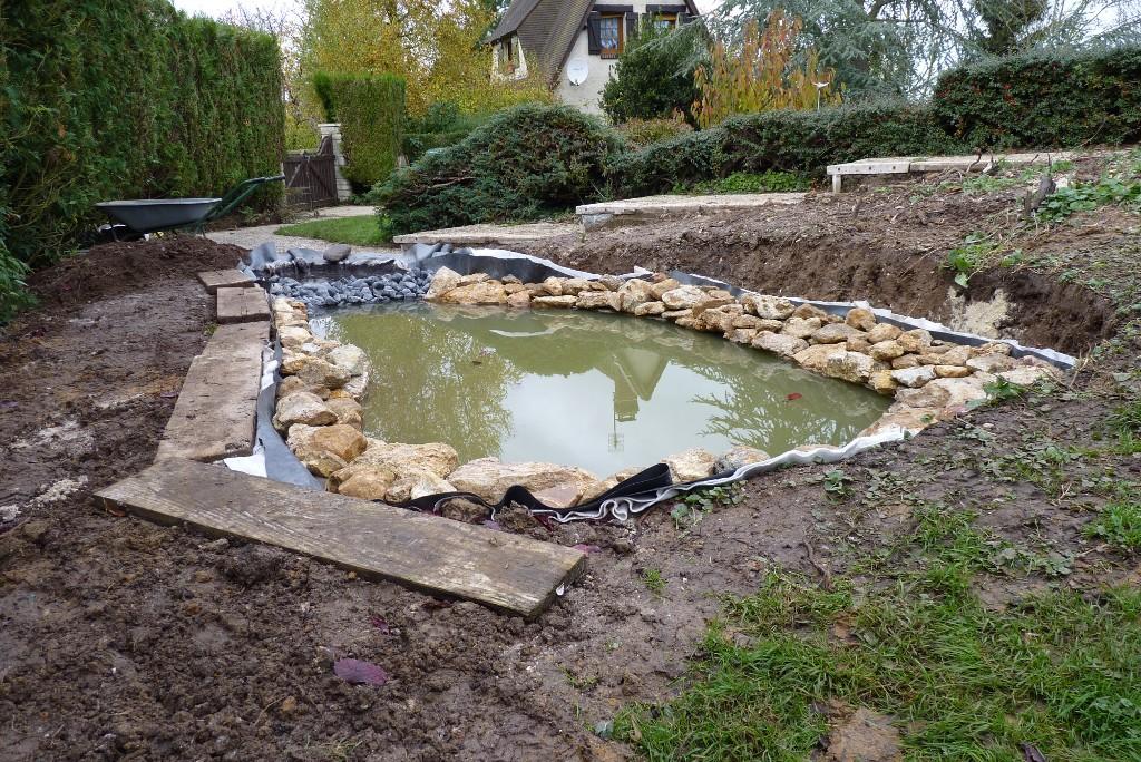Le jardin de triton pi ce d 39 eau au jardin 2 3 for Bache pour creer un bassin