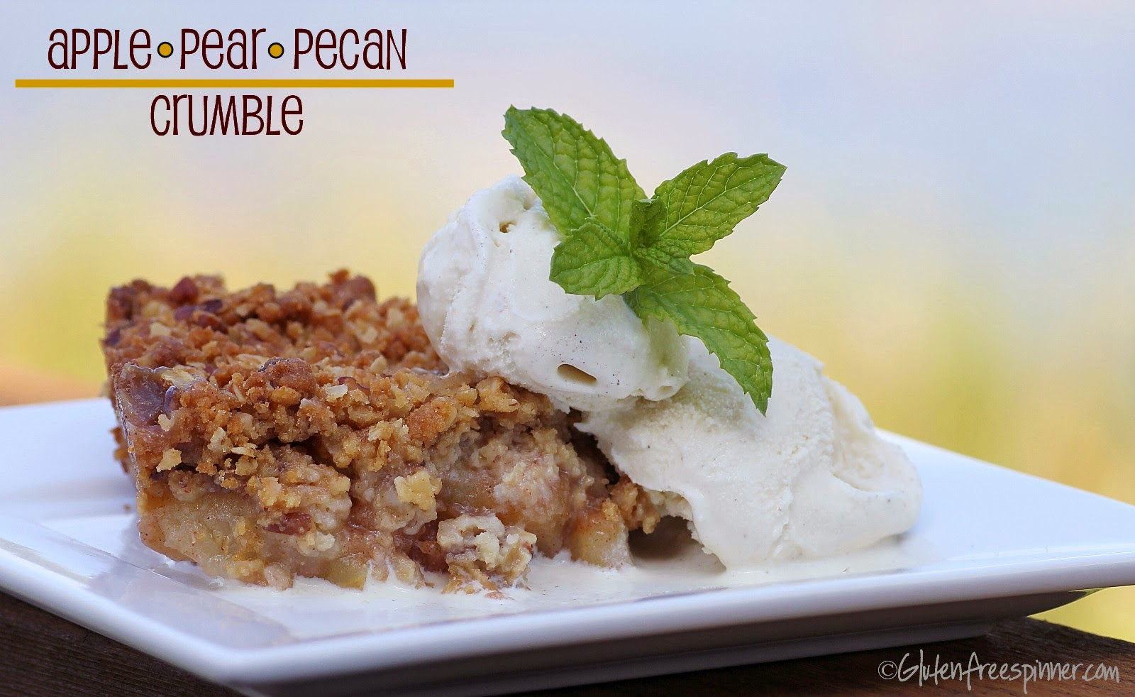 Apple Pear Pecan Crumble