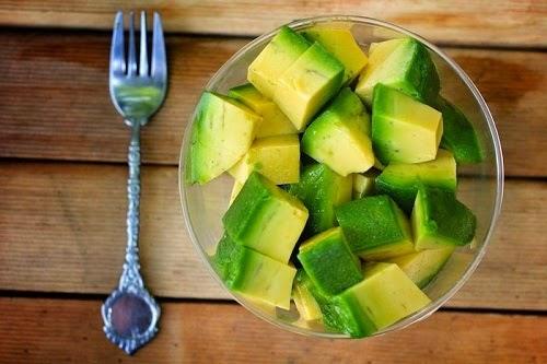 Dak Lak Avocado Fruits (Bơ Dak Lak)2