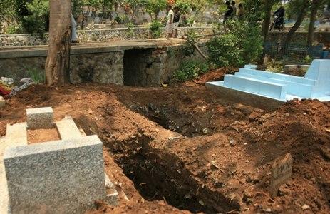 Kisah Nyata Beranak Dalam Kuburan