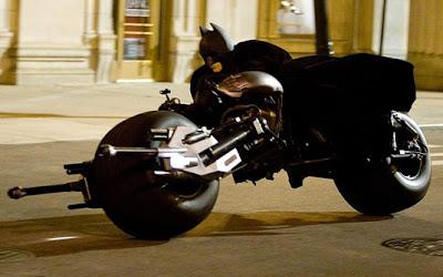 'Batman - O cavaleiro das trevas' (2007) Moto: Batpod (protótipo inspirado na  Dodge Tomahawk) Ator: Christian Bale