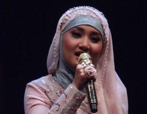 Fhtain, Gadis  Remaja Penakluk 'Rampok'