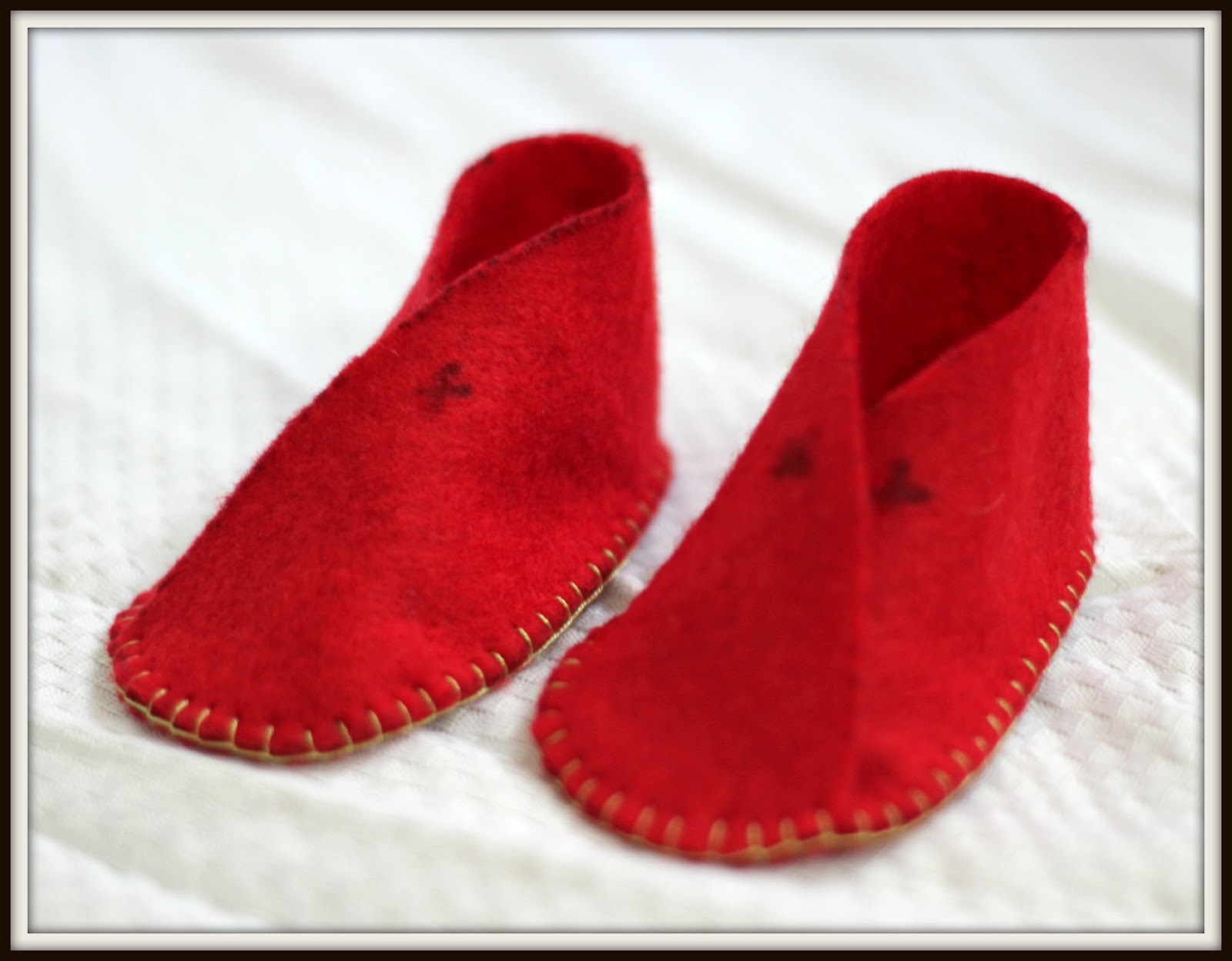 The String Empire Easy to make felt baby shoes