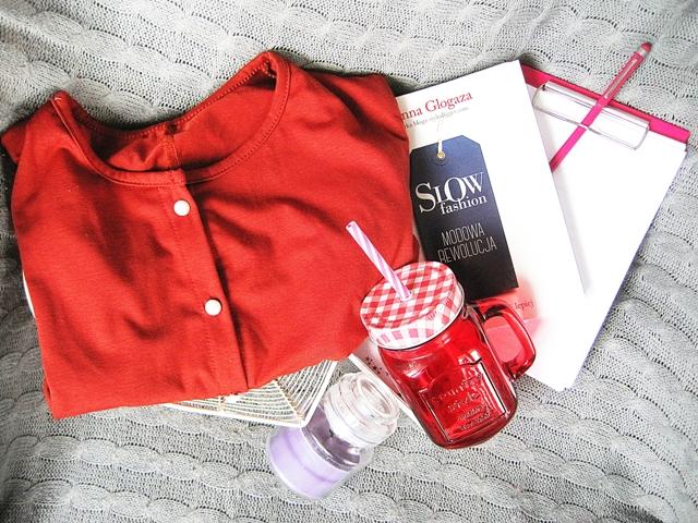 blog książka slow fashion świeca szklanka słoik ze słomką