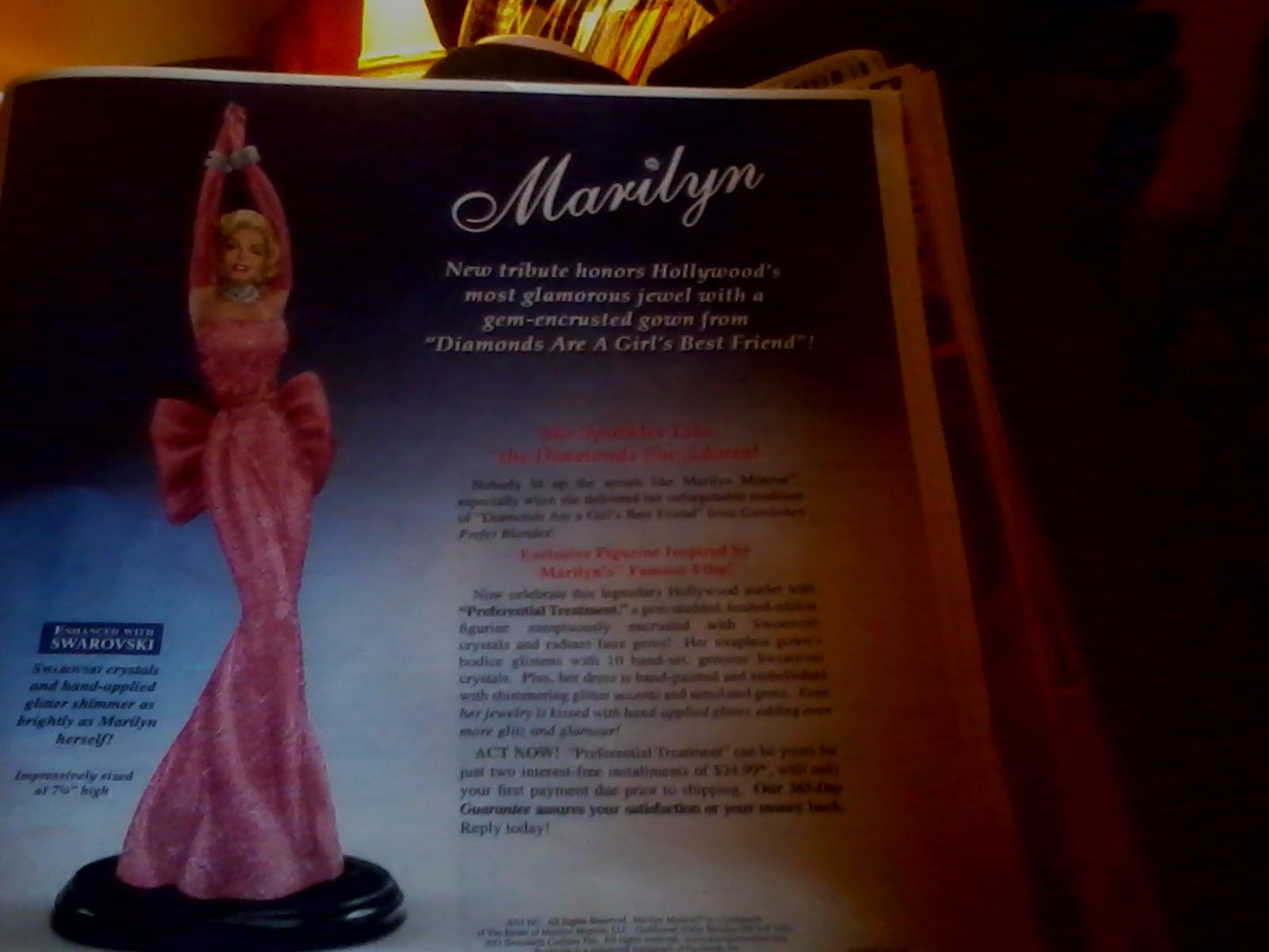 http://4.bp.blogspot.com/-tOpYNGrMFQM/T2doocwSkQI/AAAAAAAAAw8/S-bA3OdBFL4/s1600/Marilyn+Monroe+statue.jpg