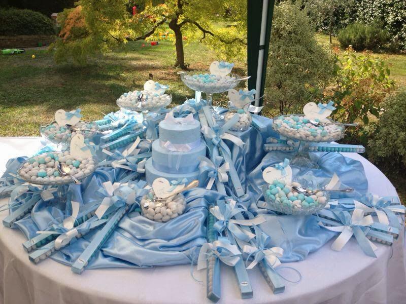 Tavolo confettata battesimo di bomboniere e non solo foto