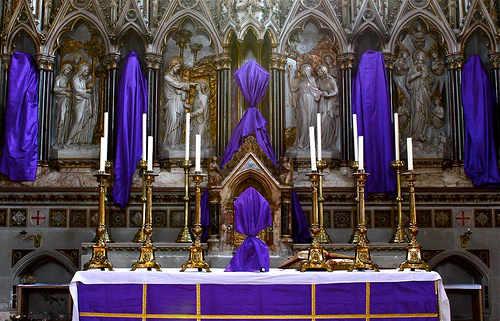 http://4.bp.blogspot.com/-tP5lIq74vUk/T3IeUONWpAI/AAAAAAAAAuc/q3tLp8ccAbs/s1600/Velaci%C3%B3n+de+altar.jpg