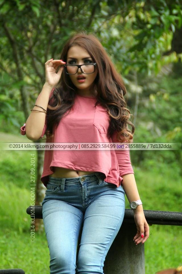 Model Banyumas / Model Purwokerto yang Casual + Sensual dan Memikat Hati - Foto oleh Klikmg Fotografer Jakarta