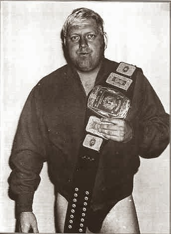wrestling legend Dick Murdoch with championship