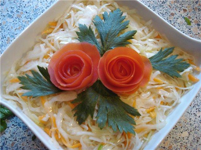Несколько рецептов салата с курочкой
