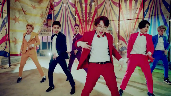 Block B Jackpot Behind Taeil