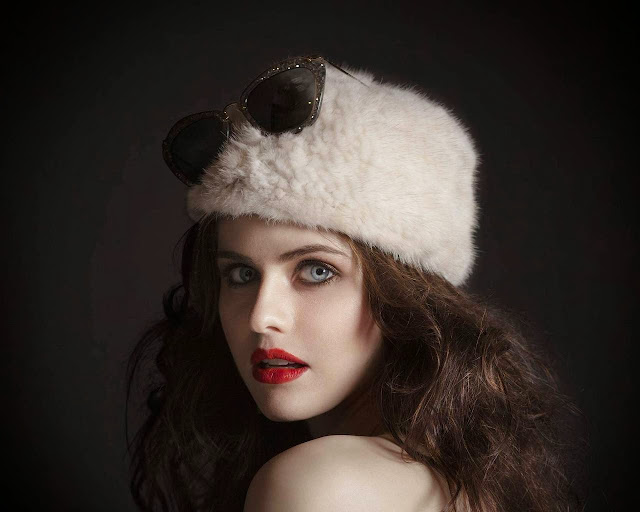 Alexandra Daddario Wallpapers Free Download