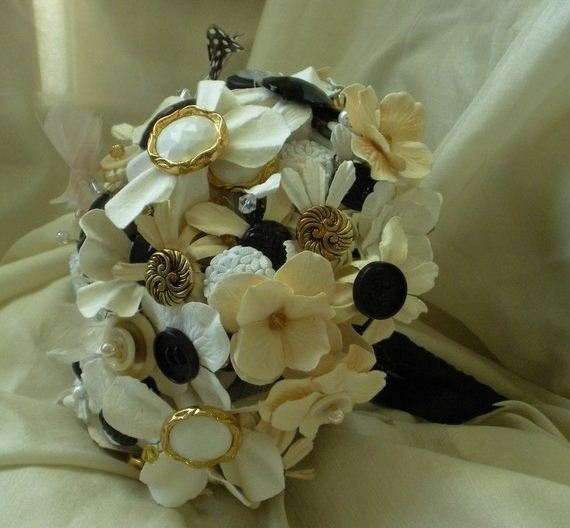 Swashbuckle The Aisle High Glamor Inspiration A Black And Gold Wedding