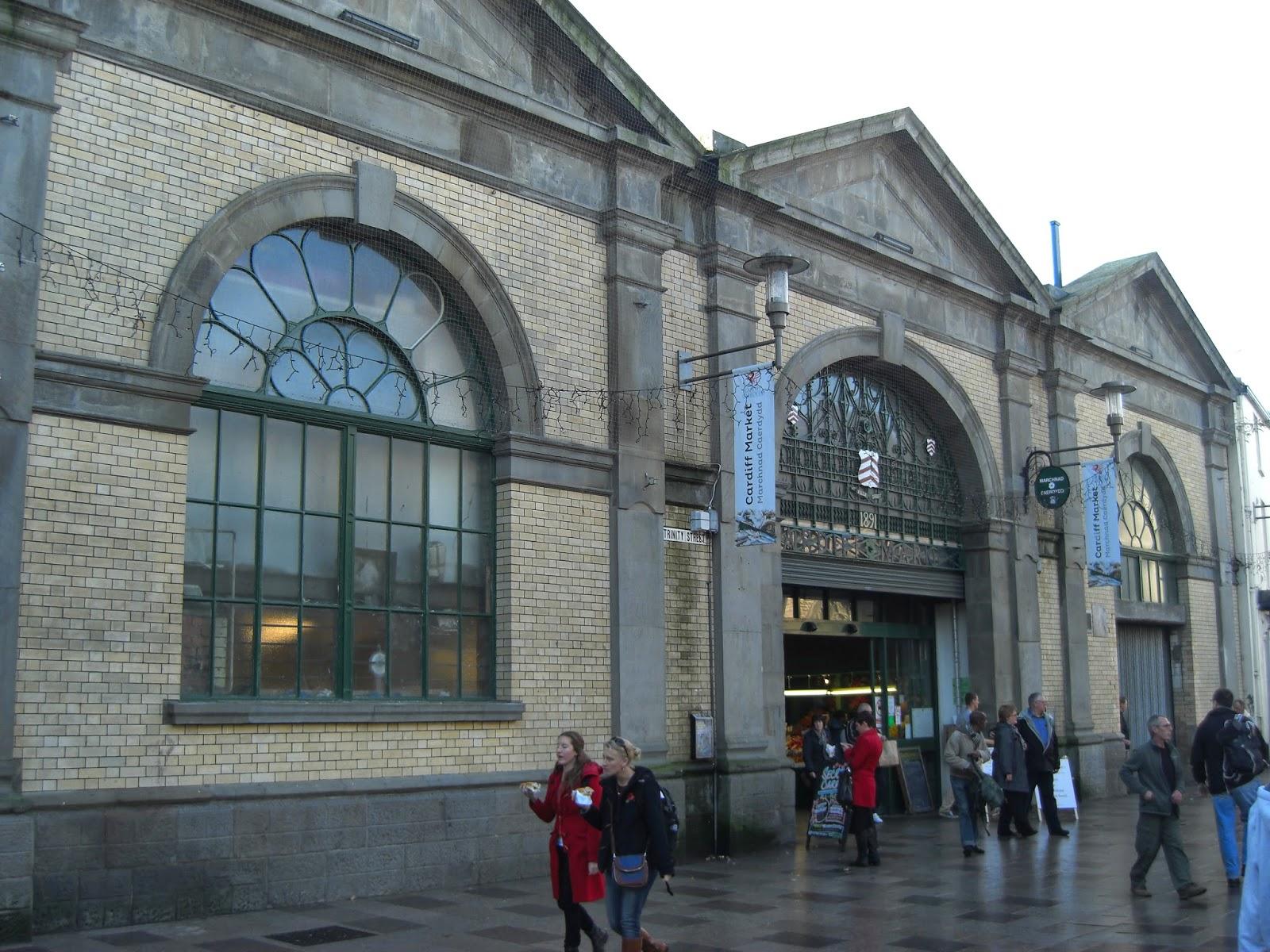 Wejście do Marchnad Caerdydd od strony The Hayes