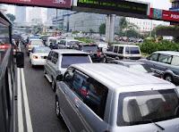 Tips Pintar Menghabiskan Waktu Saat Macet di Jalan