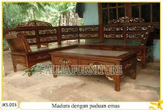 Set Kursi Tamu & Meja Sudut Ukiran Madura dengan paduan emas