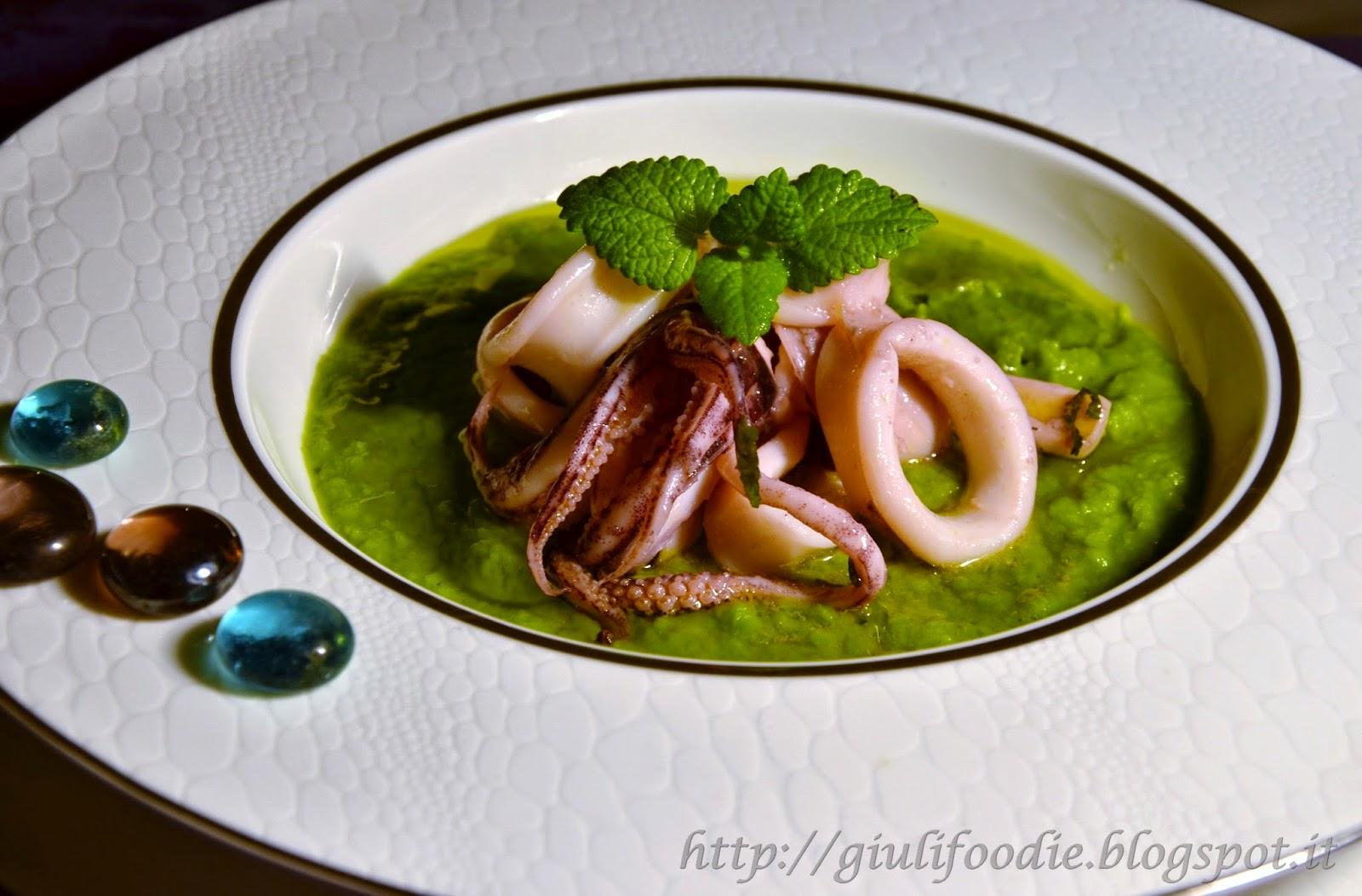 calamari con crema di piselli