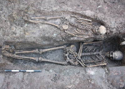 More skeletons found near grave of medieval knight