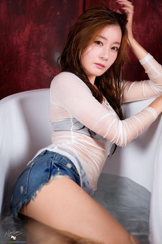 Han Ji Eun - Gorgeous Photo Update