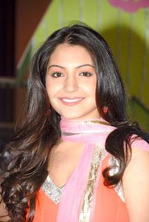 Anushka sharma pretty face