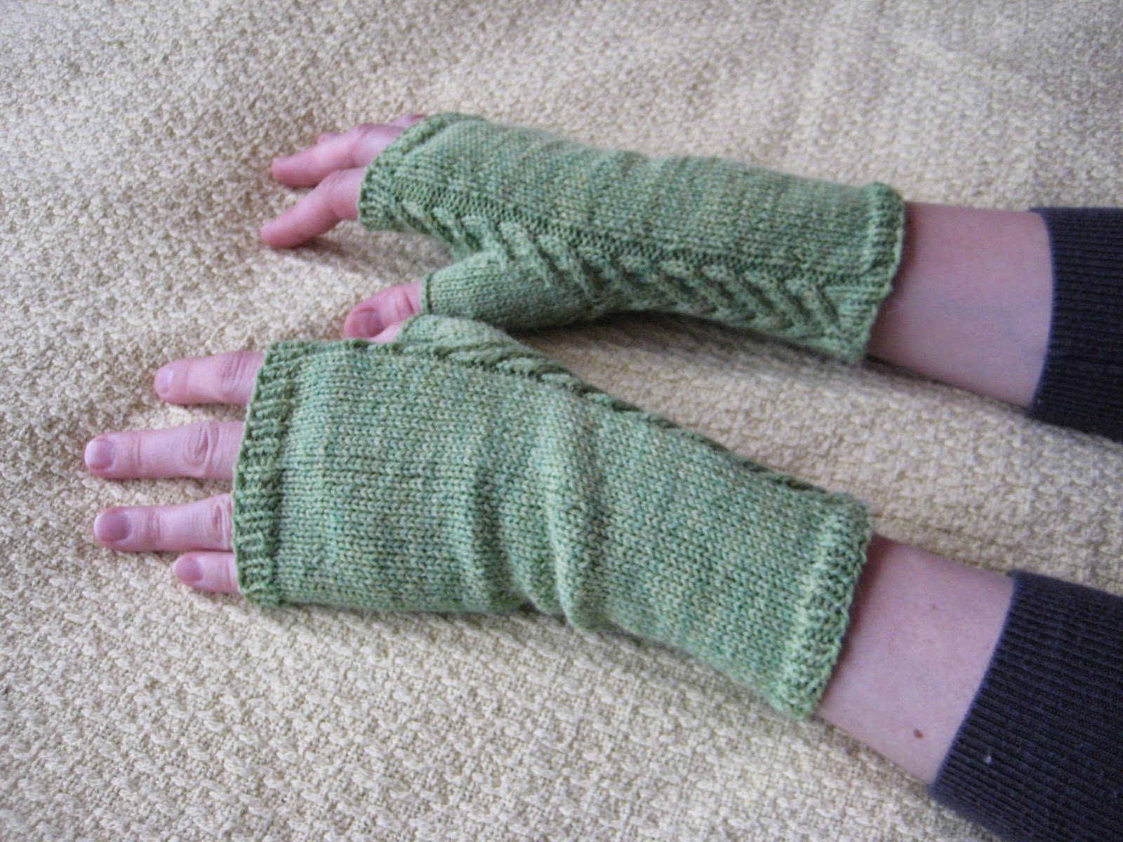 Fingerless Gloves Knitting Pattern Circular Needles Magnificent Design