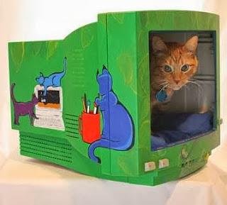 http://www.guiademanualidades.com/recicla-tu-viejo-monitor-para-tu-gato-3493.htm