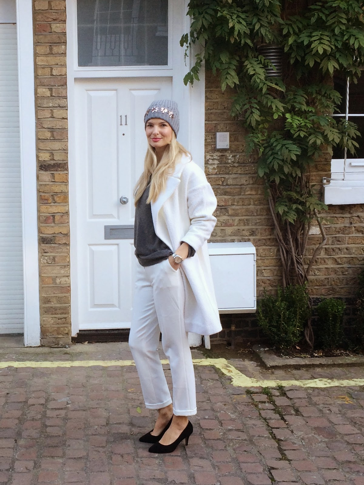 beanie, grey beanie, white coat, white winter coat, oversize coat, slim leg trousers, asos, asos look book