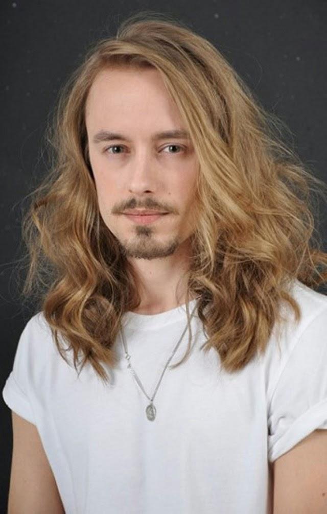 Foto Model Rambut Panjang Pria