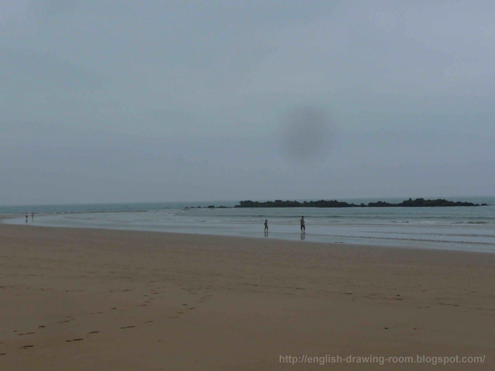 Сфоткал сестру на пляже 23 фотография