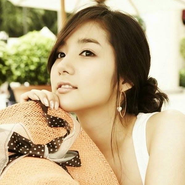 Park Min-young photo 007