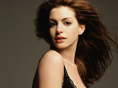 anne_hathaway_wallpaper_1
