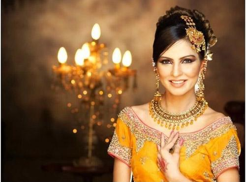 Mehndi Hairstyles Review : Hairstyle review and pictures pakistani bridal fashion mehndi day