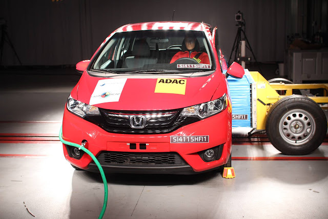 Honda FIT Crash Test
