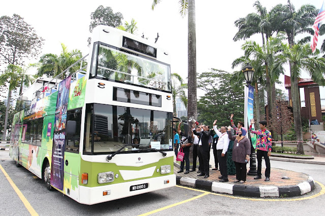 Experience all of KL via the KL Hop-On Hop-Off City Tour